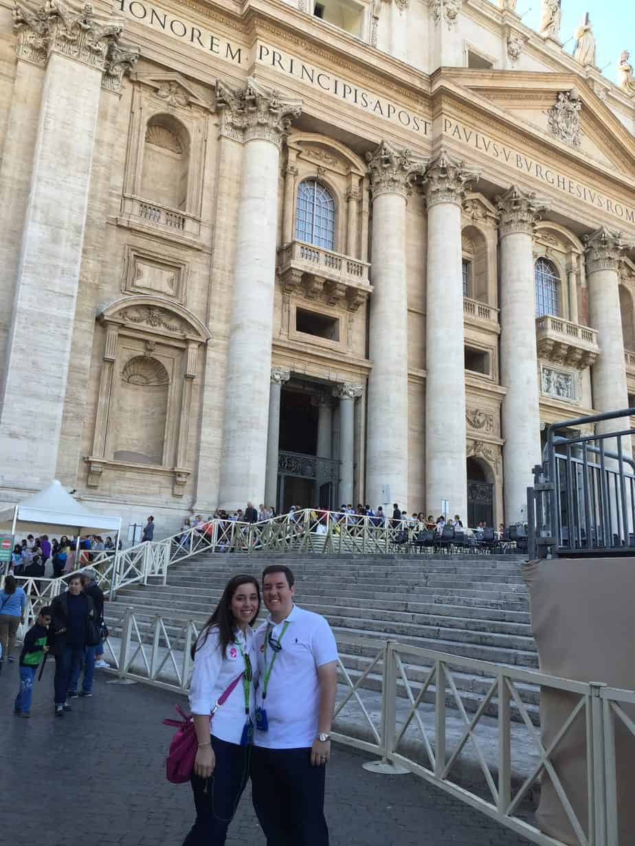 A quick and easy read for a honeymoon guide to Italy. Rome is for romantic vacations! Pizza, the Vatican, Colosseum, cannolis, tiramisu and more!